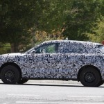 Компактный кроссовер Audi Q1 снова замечен натестах