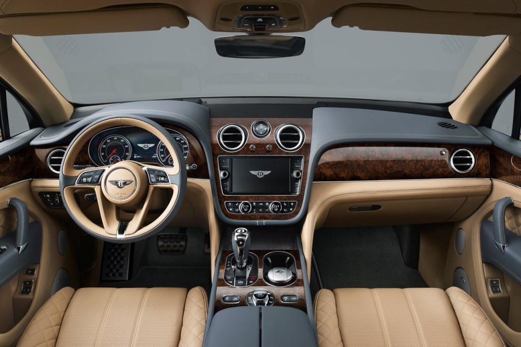 Bentley_Bentayga_2016_interior