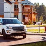 Обновлённый вседорожный автомобиль Ford Explorer добрался до русского рынка