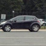Фотографы увидели таинственный SUV Peugeot (Пежо) вевропейских странах