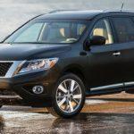 Озвучены цены на вседорожный автомобиль Ниссан Pathfinder 2016 модельного года