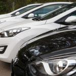 Рынок автомобилей в РФ продолжает падать