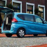 Хонда запускает в реализацию компактвэн Freed обновленного поколения